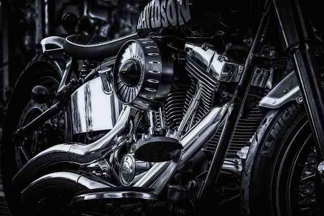 Quelle est la compagnie d'assurance moto la moins chère ?
